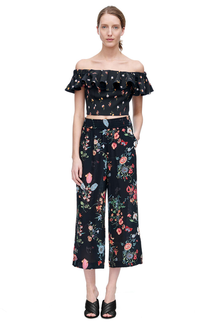 Off the Shoulder Meadow Floral Top