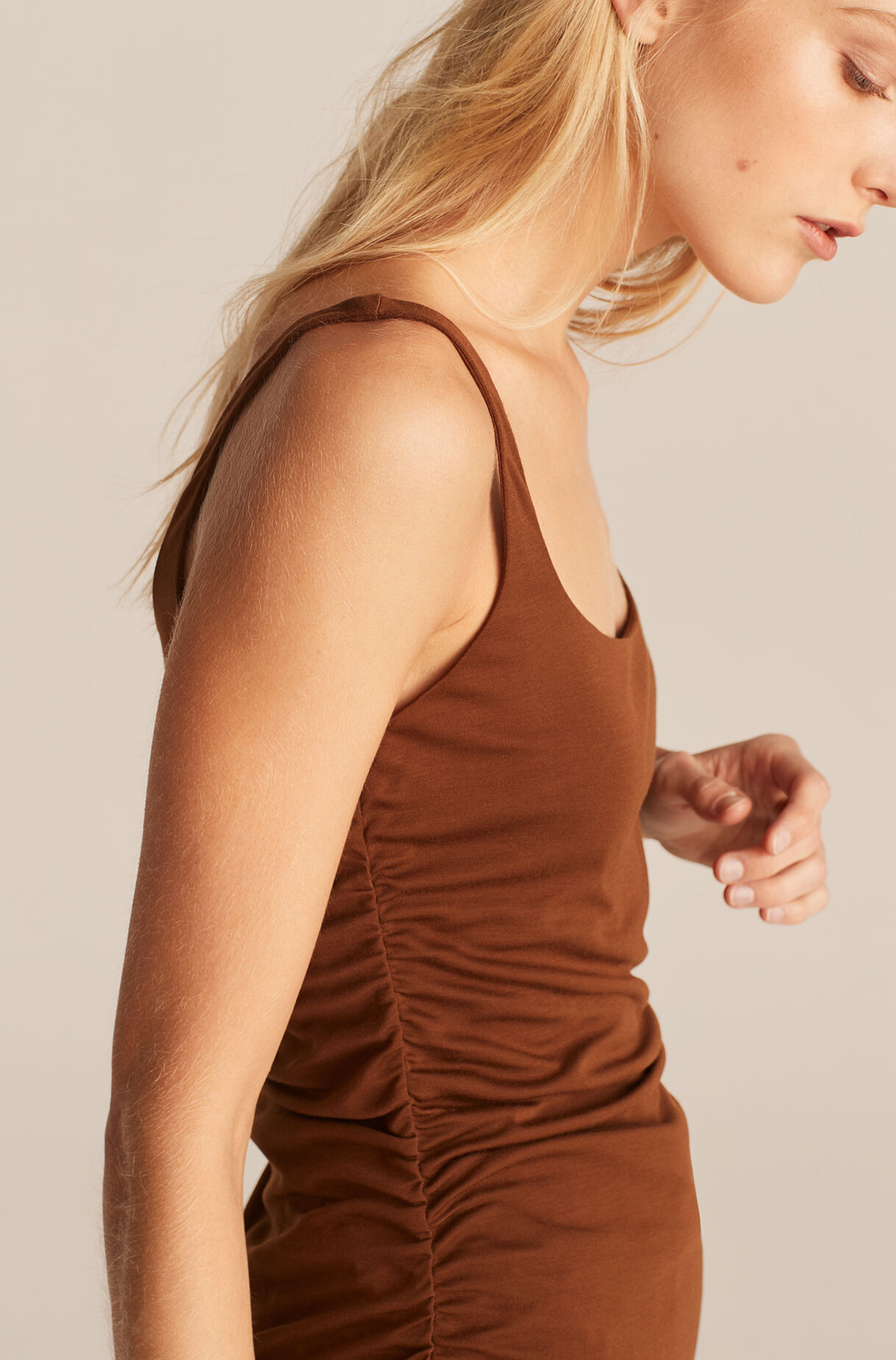Ruched Seam Tank-Cocao